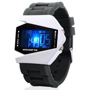 Dây đeo đồng hồ được làm bằng chất liệu nhựa cao cấp nên rất mềm, êm tay