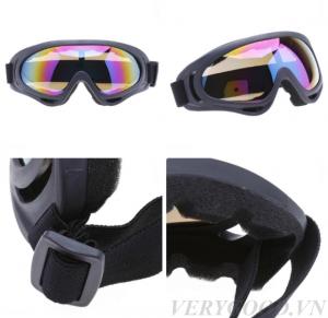 Kính chống bụi, tia UV400 cao cấp có thiết kế theo kiểu kính phi công, ôm sát mặt, chống bụi và gió 100%
