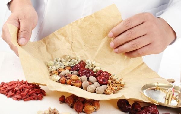Mầm lúa mạch kết hợp với các loại thảo dược hỗ trợ điều trị bệnh