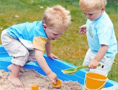 Đồ chơi cho trẻ cơ hội khám phá thế giới xung quanh, học hỏi và nhận biết thế giới quan