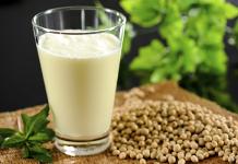 Giảm cân nhờ uống sữa đậu nành