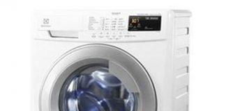 Cách giặt quần jean đen không bị phai màu