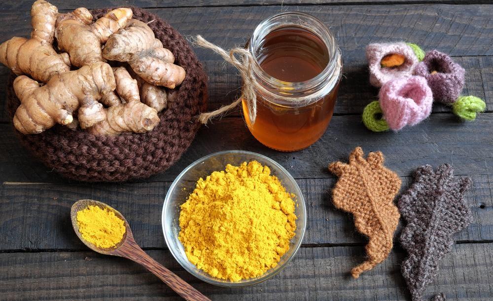 Hiệu quả bất ngờ từ việc uống tinh bột nghệ và mật ong mỗi ngày