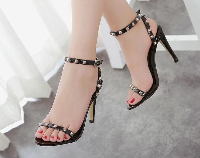 Sandal cao gót  - lựa chọn tối ưu của những cô nàng chân ngắn