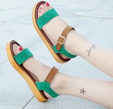 Sandal đế bệt quai ngang với nhiều màu sắc và kiểu dáng cho nàng chọn lựa
