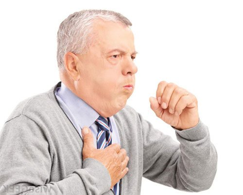 Vì sao người cao tuổi dễ mắc viêm phổi?