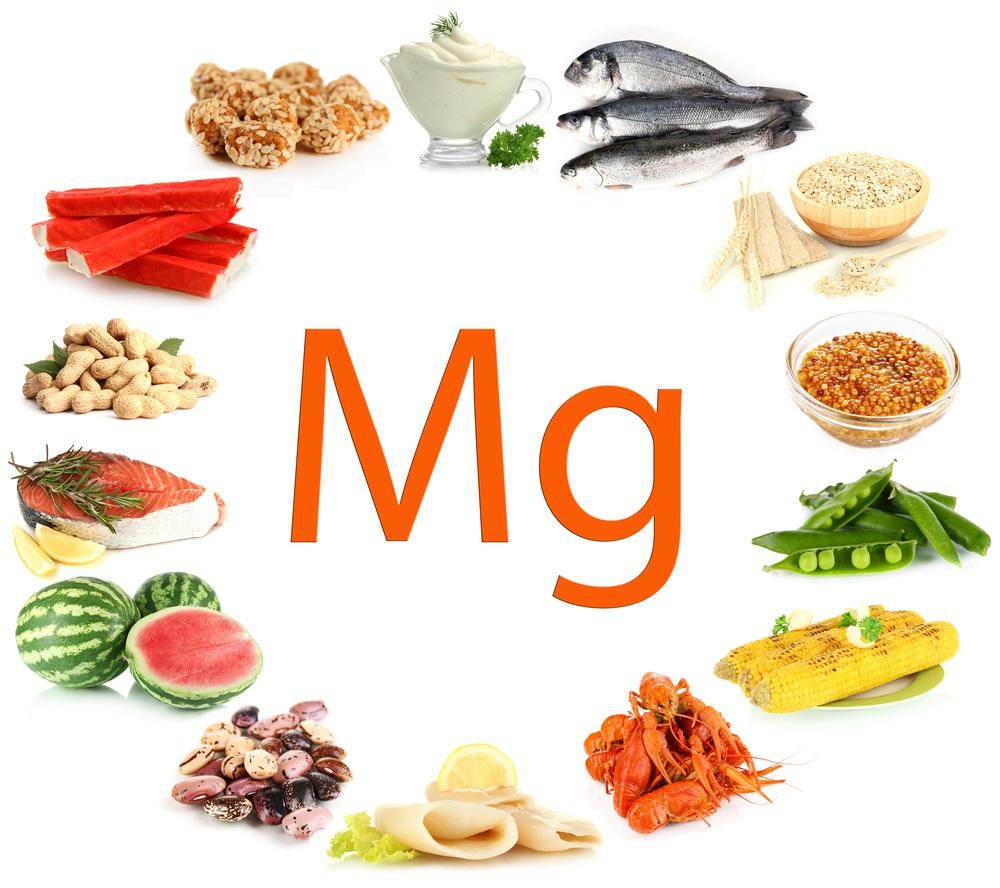 Ba mẹ có thể tìm thấy magiê trong những loại thực phẩm sau: Rau ngót, rau dền, rau mồng tơi, rau đay, rau lang, khoai lang, đậu phộng, cá ngừ, cá nục, tôm đồng,…