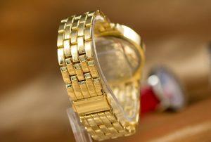 Đồng hồ có phong cách sành điệu, hiện đại