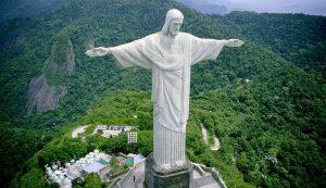 Bức tượng Chúa Kitô Cứu thế nổi tiếng ở Brazil