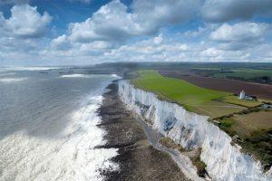 Những vách đá vôi nổi tiếng ở bờ biển Kent ở Anh