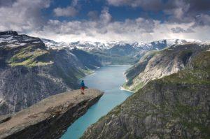 Trolltunga - đỉnh Lưỡi Quỷ ở Na Uy