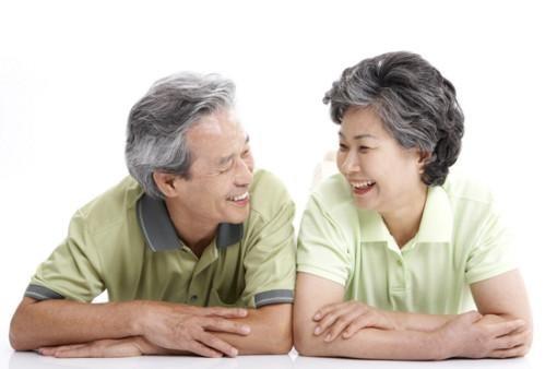 Người già cần được bổ sung các chất dinh dưỡng cho cơ thể
