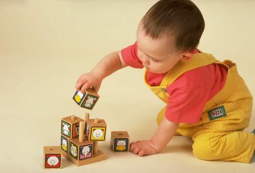 Đồ chơi giúp bé vận động và phát triển toàn diện về mặt thể chất