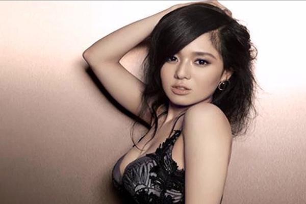 Cô nàng Aoi Sora xinh đẹp đã đóng hàng trăm bộ phim